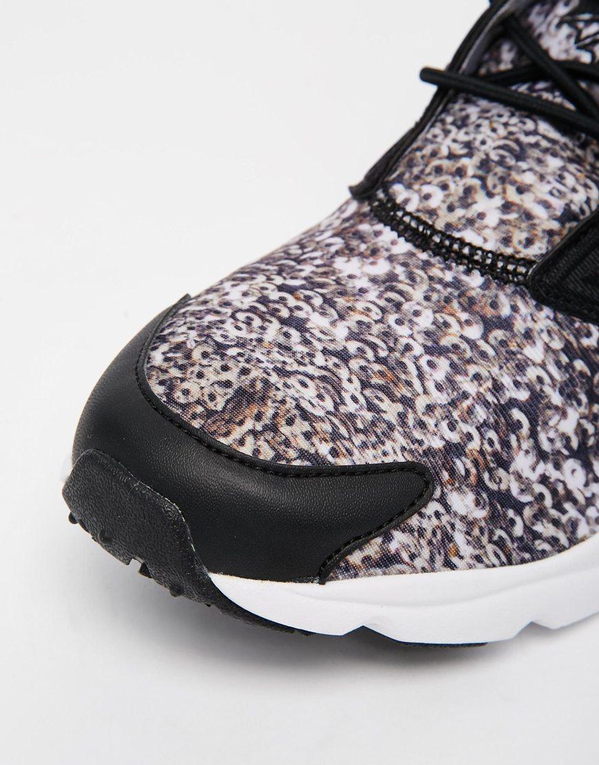 shoes 8.3